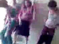Fists với một phim sexx co phu de cô gái tóc đen